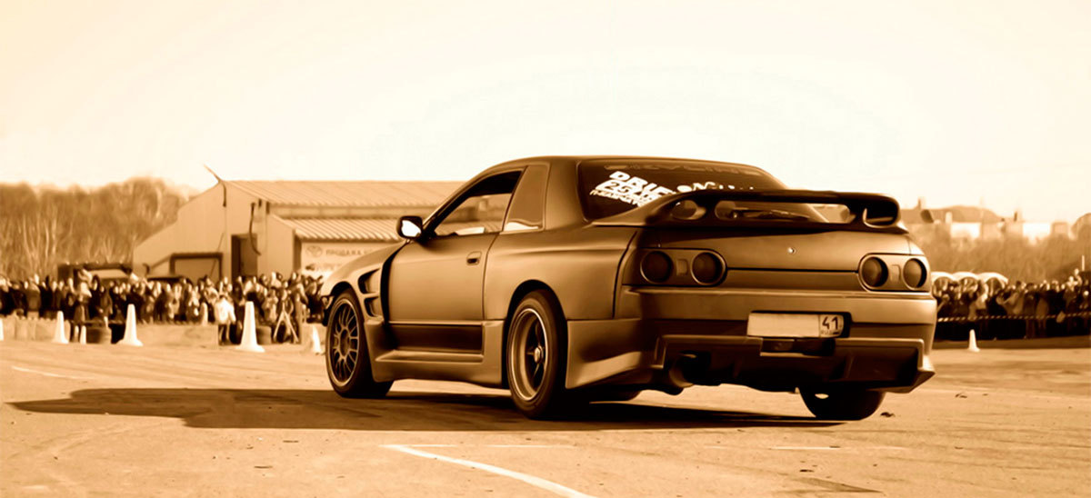 Nissan Skyline HR32, RB26DETT